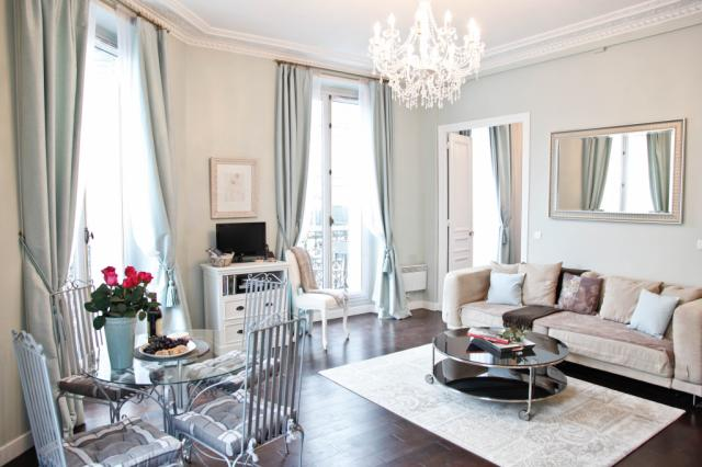 Classic 1 BR on on the border of The Marais and the Montorgueil Quarter
